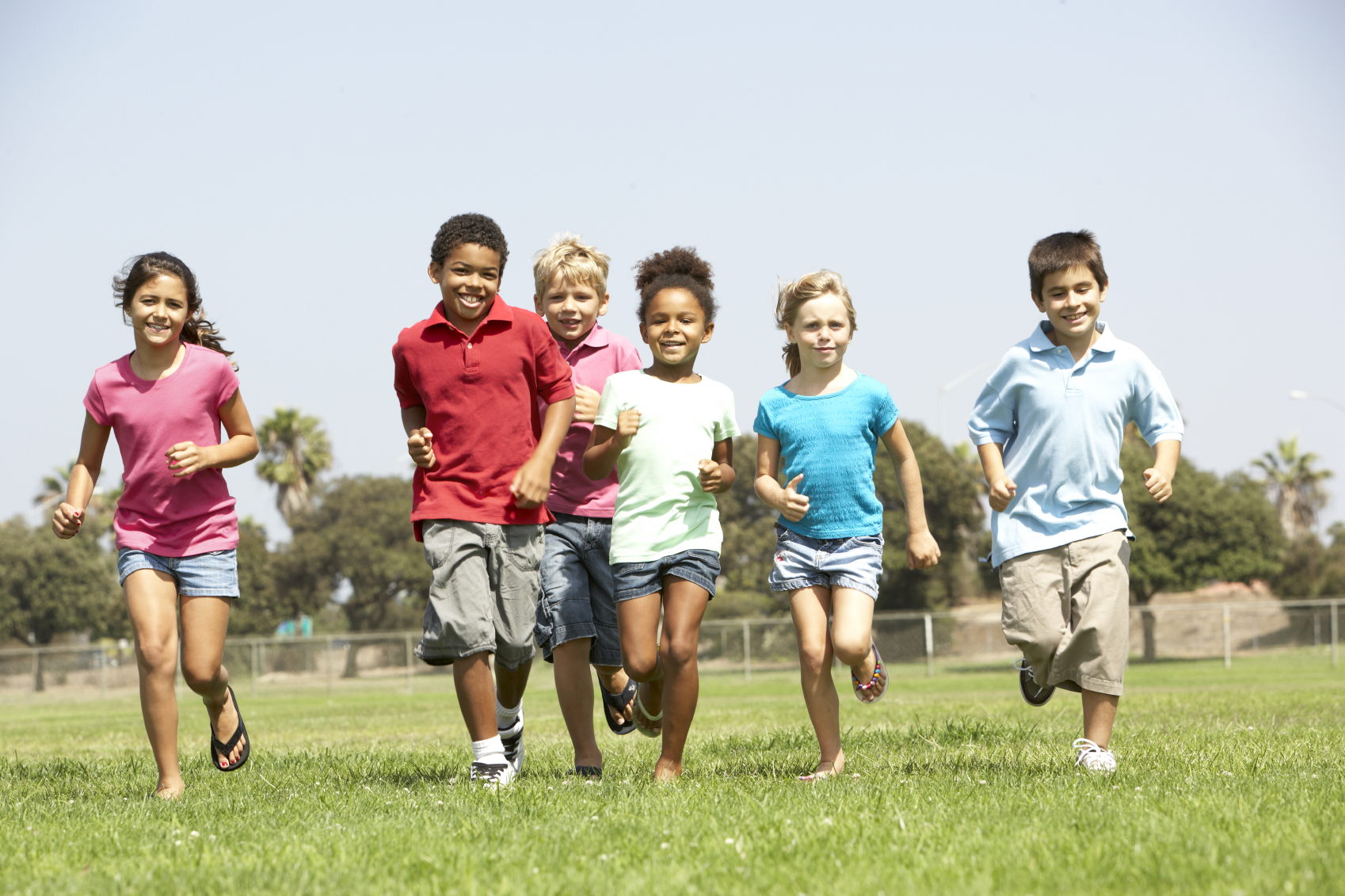 """help with obesity for low income families A 2006 study by the colorado health foundation titled the """"income, education and obesity"""" found that 25% of colorado children living in low-income households with an average income of $25,000 or less were obese compared to 8% of the children."""